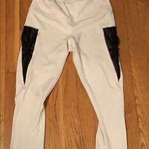 Quarter length leggings
